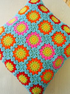 circle in a square cushion cover