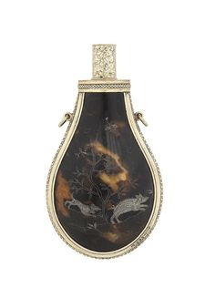 Potion bottle: A Rare Continental Tortoisehell Powder-Flask With Silver-Gilt Mounts - Century, The Mounts Struck With French Hare's Head Mark For Flintlock Rifle, Powder Horn, Hunting Bags, Potion Bottle, Vintage Purses, 17th Century, Firearms, Outlander, Flask