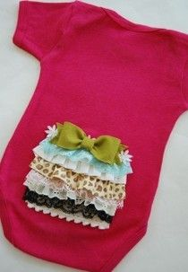 Baby & Toddler Week - Adorable Onesies - Lou and Lee Sewing For Kids, Baby Sewing, Baby Shower Gifts, Baby Gifts, Retro Baby, Everything Baby, Cute Diys, Future Baby, Baby Items