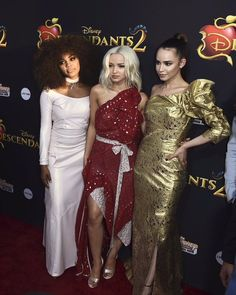 The descendants 2 premiere Dove Cameron Sofia Carson and China Anne MicClain They are slaying in this pic Follow me @summerkaycee14