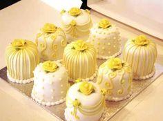Individual lemon wedding cakes - I Love that Cake Co