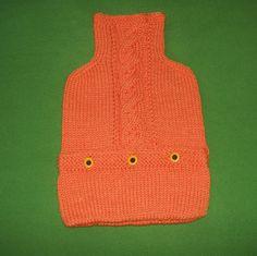 handgestrickter+orangefarbener+Wärmflaschenbezug+von+Der+Family-Shop+auf+DaWanda.com