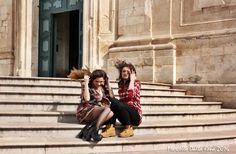 La struggente bellezza di Martina Francaraccontata dai colori e dai sorrisi di duemodelle per un giorno attraverso gli scatti di Marcello Dalla Rena