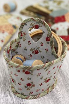 Sweet idea for sewing basket or caddy - from cardboard.
