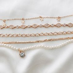 Gold neck lace combinstion, I have a variety of necklaces in my jewelry armoire