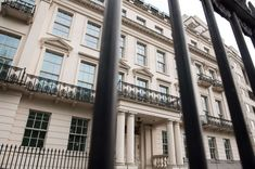 London Mansion for Over $262 Million Set to Shatter U.K. Record London Mansion, Beautiful London, House Prices, Mansions, Animales, Manor Houses, Villas, Mansion, Palaces