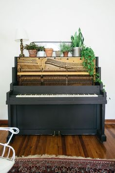 15 Gorgeous Pianos that Suit Their Spaces | Design*Sponge