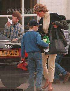 March 3, 1995: Princess Diana takes her boys to Twickenham to train with Wil Carling. (Date source Glenn Harvey) RoyalDish - Diana Photos - page 45