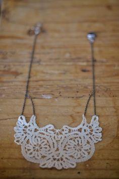 DIY-Doily-Necklace-Tutorial-11