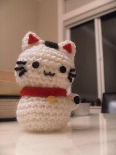 Onni the Beckoning Cat (Maneki Neko) amigurumi pattern Cat Amigurumi, Amigurumi Patterns, Crochet Patterns, Loom Patterns, Gato Crochet, Kawaii Crochet, Crochet Gifts, Diy Crochet, Crochet Toys