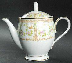 Teapot & Lid in the Long Ago pattern by Noritake