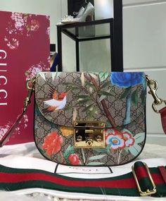 Gucci Padlock Tian GG Supreme Shoulder Medium Bag. 2016 Gucci collection for fashion women. So pretty.