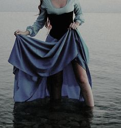 Image about dress in The Pirate and the Mermaid 🐚 by Juliet ♚ Princess Aesthetic, Disney Aesthetic, Queen Aesthetic, Story Inspiration, Character Inspiration, Foto Art, The Villain, Looks Cool, The Little Mermaid