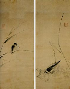 牧谿は諱を法常という蜀の禅僧で、禅余に墨画をよくしたが、中国では後世「粗悪にして古法なし」などと評された。しかし、わが国では室町時代以来、最高級の宋画として扱われ、この図も、わが国における牧谿画受容の一面を示す遺作ということができる。蓮に鶺鴒、葦に翡翠を一幅ずつに描き、墨一色ながら季節の変化を盛り込んだ双幅となっている。筆使いはきわめて軽妙で、瀟洒な雰囲気にあふれた画面をつくりあげており、牧谿本来の墨調とはやや異なる趣きを呈しているが、いわゆる牧谿画の一画態を示す作である。