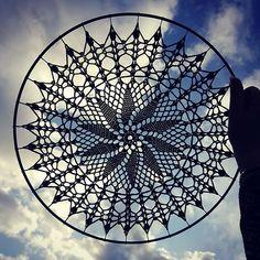Crochet Tablecloth, Crochet Doilies, Mantel Redondo, Doily Dream Catchers, Crochet Mandala Pattern, Thread Crochet, Tunisian Crochet, Grape Vines, Crochet Projects