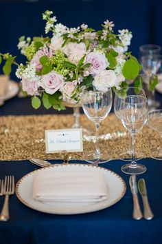 This #whimsical pink and green bouquet goes so well with the gold and navy table display @studiodbi