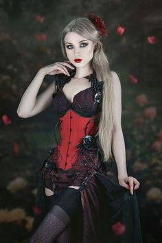 Model Absentia  Gothic Beauty