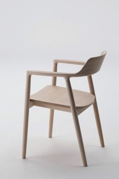 Hiroshima Chair produced by Maruni - Naoto Fukasawa - reminds me of the sam maloof low back mixed with a hint of danish inspiration...very beautiful