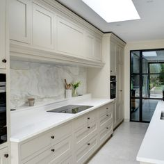 Shaker kitchen  Shaker Kitchen, Kitchen Small, Room Kitchen, Solid Wood Kitchen Cabinets, Solid Wood Kitchens, Howdens Kitchens, Home Kitchens, Kitchen Inspiration, Kitchen Ideas