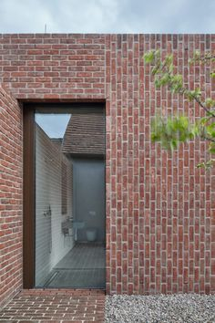 This single multi-generational family home was designed by Jan Proksa to create a modern brick house in brick garden in Czech Republic Brick Design, Facade Design, Modern Brick House, Brick Extension, Extension Google, Side Extension, Brick Works, Brick Detail, Brick Garden