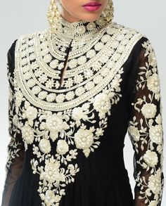 Stunning Indian gown - cut it off at miniskirt length for that Sixties-tastic flavor and I'd be all over it.