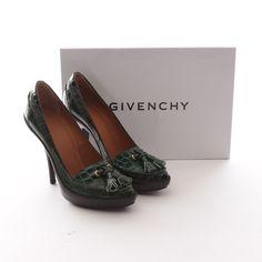 53dc76fa12acc4 Elegante Pumps von Givenchy in Grün Gr. EU 36 - Neu! Chanel Ballet Flats