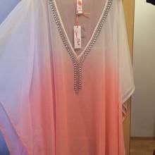 Strandtunika in 1220 Wien for for sale Strand, Cover Up, V Neck, Dresses, Summer, Women, Style, Fashion, Tunics