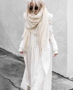 all white dress / icy dress White Fashion, 70s Fashion, Runway Fashion, Korean Fashion, Fashion Outfits, Modest Fashion, Fashion Art, Vintage Fashion, Petite Fashion Tips