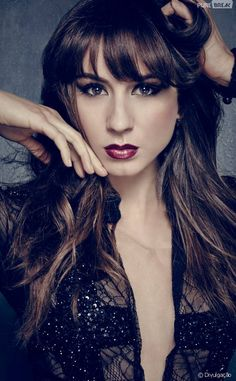 "Em ""Pretty Little Liars"", Spencer (Troian Bellisario)."