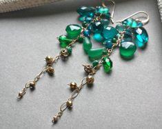 Turquoise vert Pierre Dangle, longues pierres précieuses boucles d'oreilles grappe, grappe vert bleu Dangle