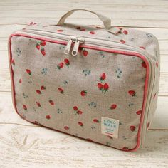 Linen strawberry pattern coating mobile diaper case made in Japan