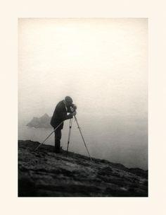 George Bernard Shaw - Man with camera, tripod, Skelligs, 1908 © Irish Museum Of Modern Art