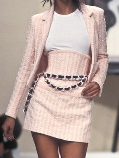 Bild über Mode in 90 ° von Pretty in Pink - outfits - Look Fashion, 90s Fashion, Couture Fashion, Vintage Fashion, Womens Fashion, Fashion Design, Fashion Trends, Runway Fashion Outfits, Fashion Beauty