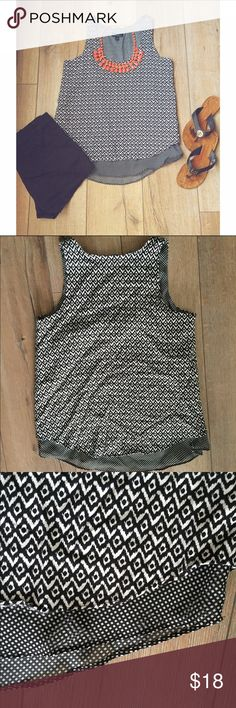 C y n t h i a   R o w l e y   B l o u s e Cynthia Rowley Black & White Sleeveless Top. Size XS. Bought at Nordstrom. In excellent condition. No tears or stains. Cynthia Rowley Tops Blouses