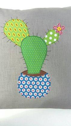 Funda de cojín de cactus Tuna decorativo tiro por tailorbirds Machine Embroidery Projects, Free Machine Embroidery, Machine Quilting, Free Motion Embroidery, Embroidery Art, Burlap Pillows, Owl Pillows, Decorative Pillows, Crochet Cactus