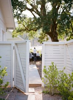 white wash horizontal privacy fence.