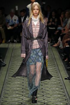 Burberry | Ready-to-Wear Spring 2017 | Look 61