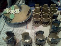 stoneware clay bowl and bear spongeholders