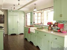 Mint Makeover. Designer: Kathryn Ireland. Photo: Victoria Pearson. housebeautiful.com