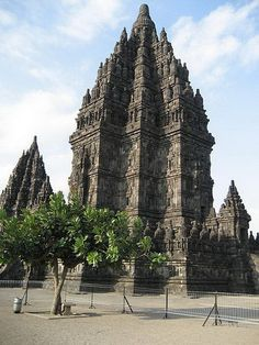 Candi Prambanan / Candi Rara Jonggrang is a century Hindu temple compound in Central Java, Indonesia, dedicated to the ' Trimurti ' --- the expression of God as the Creator (Brahma), the Sustainer (Vishnu) and the Destroyer (Shiva). The temple is locat Temple Architecture, Religious Architecture, Historic Architecture, Temple Ruins, Hindu Temple, Travel Around The World, Around The Worlds, Vietnam, Borobudur