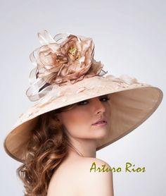 """Beatriz"" Kentucky Derby Hatdesign by Arturo Rios Katherine Elizabeth, Organza Flowers, Kentucky Derby Hats, Cocktail Hat, Silk Roses, Hats For Women, Ladies Hats, Headpiece, Couture"