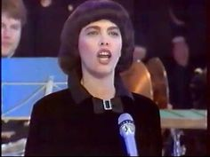 Mireille Mathieu - La Marseillaise (1988) - YouTube