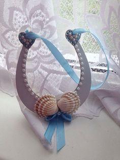 A Beachy themed horseshoe I made. Ideal for weddings.