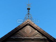 Giebel mit historischer Inschrift einer Villa in Oerlinghausen im Teutoburger Wald bei Bielefeld in Ostwestfalen-Lippe