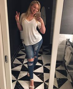 ✌ bye LA✈️ and thank you @fashionnova for jeans that fit #iskralawrence #everyBODYisbeautiful