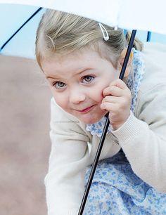 maitetelde:  oh-babies:    Princess Estelle of Sweden .   Its so funny