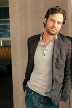 Mark Ruffalo (Bruce Banner/Hulk). Swoon. It must be the gray that makes him handsome, too. :)