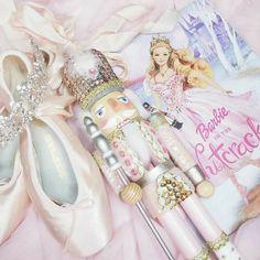 pink princess 🌸 felfedezte ezt: kép. Fedezd fel (és mentsd el!) saját képeidet és videóidat a We Heart It oldalain Shabby Chic Christmas, Pink Christmas, Christmas Decor, Christmas Ideas, Christmas Wonderland, Winter Wonderland, Barbie Movies, Barbie World, Pink Princess