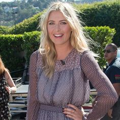 """Maria Sharapova served up serious style in our Rose Cage Bands at an appearance on """"Extra"""" yesterday in LA. ✨ Styled by the super talented @petraflannery  #mariasharapova #extratv #LA #tennis #rosegold #cagebands #rings #jewelry #MadeinLA #rachelkatzjewelry www.rachelkatzjewelry.com"""