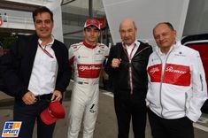 Charles Leclerc, celebra il decimo posto con Frederic Vasseur e Peter Sauber Grand Prix, Alfa Romeo, F1, Leclerc, Vans, Formula 1, Van